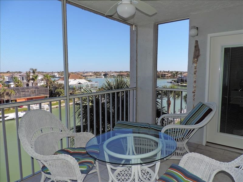 Eagle Cay Bldg 3-505